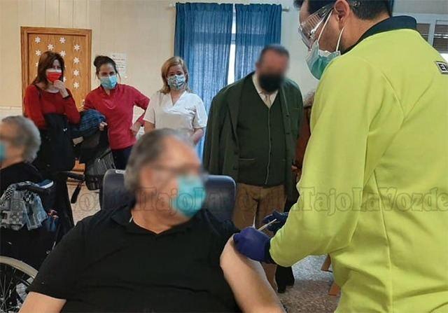 CORONAVIRUS | CLM administrará la segunda dosis en residencias desde este jueves
