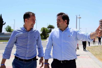 Núñez y Velázquez llegan a un