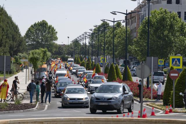 ÚLTIMA HORA | VOX, banderas y coches por las calles de CLM