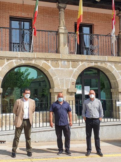 PROVINCIA   Úbeda y Arroyo visitan la Iglesuela