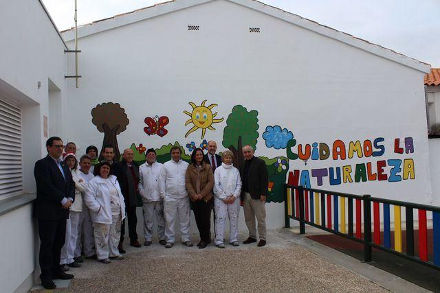 Alumnos del RECUAL remozan edificios públicos de San Román de los Montes