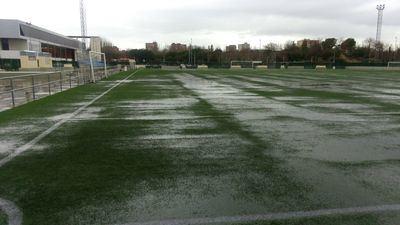La lluvia obliga a suspender los partidos en el Pablo Mela y el Zarra