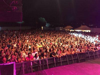 Segurilla acogió el multitudinario concierto del famoso cantante Demarco