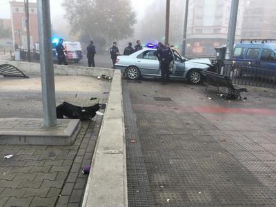 Aparatoso accidente en la rotonda de la Avenida Francisco Aguirre