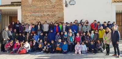 Cazalegas celebra el pleno más especial del año con los vecinos más jóvenes