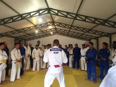 Héctor Nacimiento y el judo ayudan a los más desfavorecidos de Chile