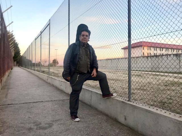 Luis Martín, de Lobos Negros, imparte clases de música en la cárcel de Valdemoro