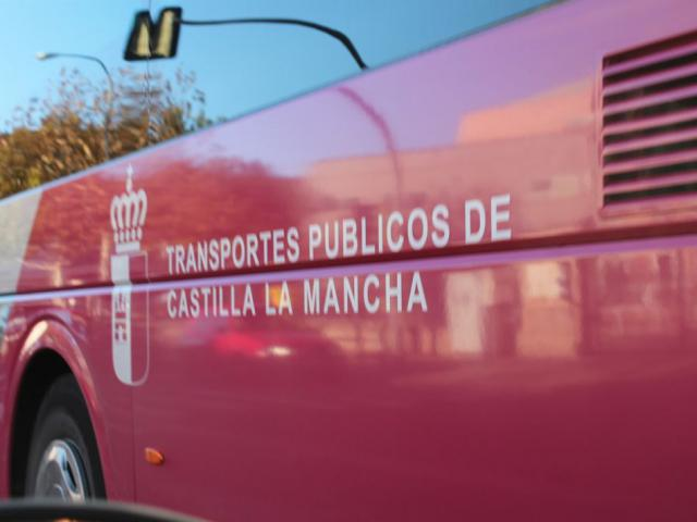 CLM | La Junta modifica el pago de las ayudas a transporte de jóvenes y mayores