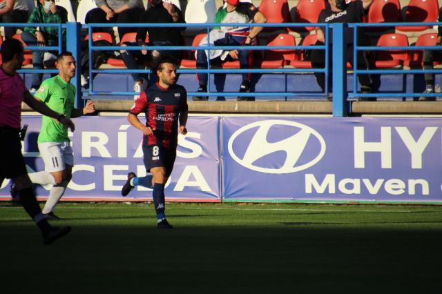 SEGUNDA B | Cuatro golazos para repartirse los puntos de Almendralejo