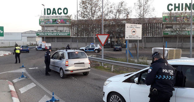 IMÁGENES   La Policía Local controla los accesos a la ciudad