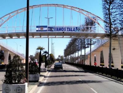 CF TALAVERA | El Ayuntamiento se une a la 'caravana blanquiazul'