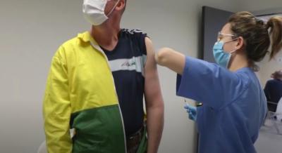 VÍDEO | CLM retoma la vacuna de AstraZeneca