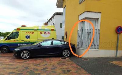 SORPRESA | Los vecinos de Puente, ofendidos por el coche de un médico