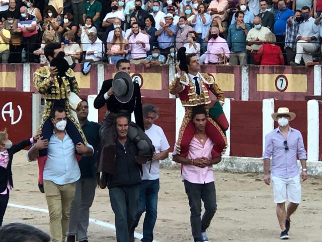 Todas las imágenes de la corrida de toros de Talavera