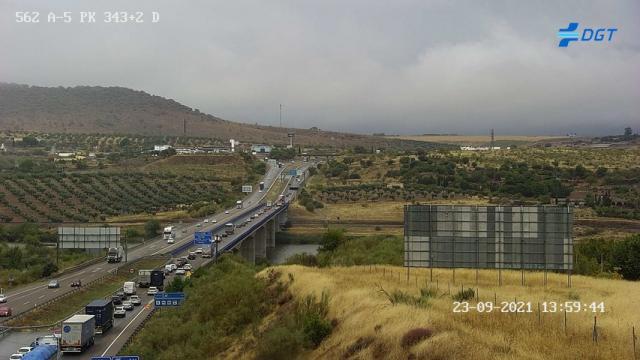 La A-5 está cortada a la altura de Mérida por la DANA