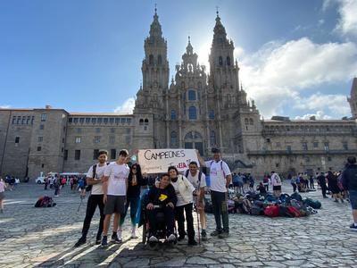 Los peregrinos talaveranos contra la ELA ya han llegado a Santiago