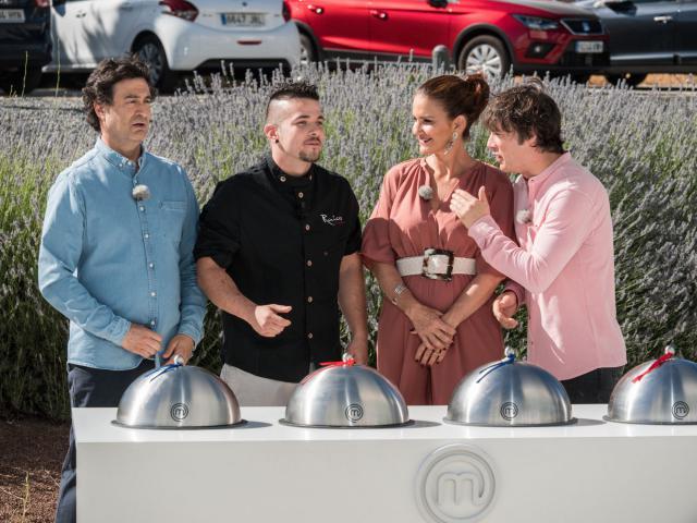 El talaverano Maldonado junto a los famosos chefs televisivos.
