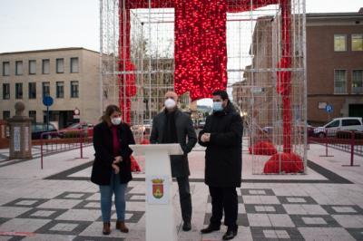TALAVERA | La alcaldesa y el pregonero Vicente Cuesta dan la bienvenida a la Navidad