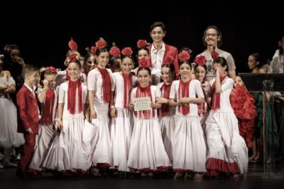 Los alumnos de ADAE ALMA triunfan el Valencia con 'Un príncipe gitano'