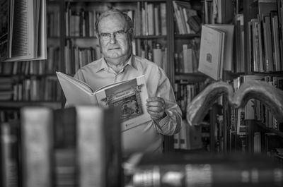 RETRATOS CON ALMA   José María Gómez Gómez, una vida entre libros