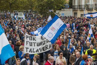Más de 10.000 personas se manifiestan en Talavera en el 11-N