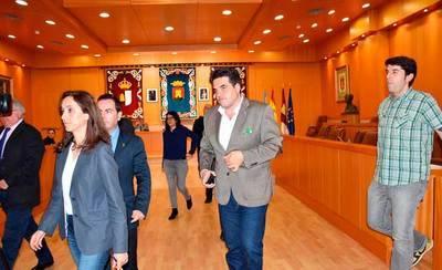 Los grupos municipales de la oposición abandonan el Pleno de Talavera