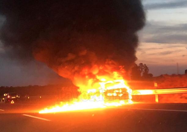 Más de tres horas de Talavera a Madrid por el incendio de un coche en plena autovía