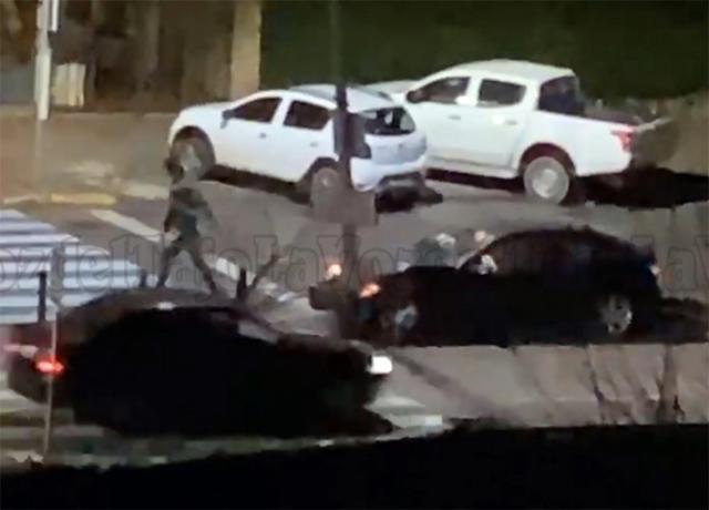 TALAVERA | Para comenzar 2021... se estampa contra una farola en una avenida a la una de la madrugada