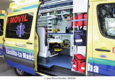 Trasladan a tres heridos al hospital tras la colisión de seis vehículos