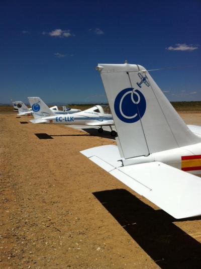 Dos fallecidos tras la caída y posterior incendio de una avioneta en el aeródromo de Casarrubios del Monte