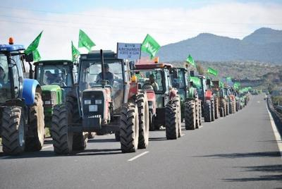 Agricultores y ganaderos salen hoy en Toledo a la calle con sus tractores para pedir
