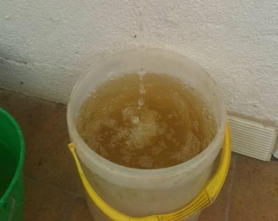 La Mancomunidad de Pusa reparte agua embotellada ante los problemas de abastecimiento