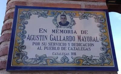 Emotivo acto a Agustín Gallardo, alguacil de Cazalegas
