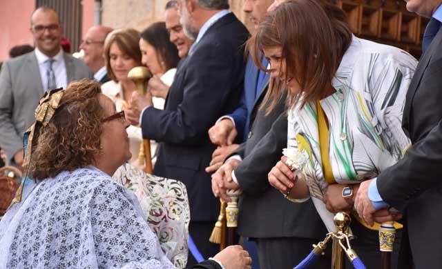 Unos 800 jóvenes de Talavera se benefician ya del abono de transporte