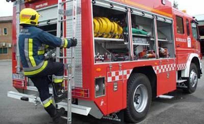 Tres afectados por inhalación de humo tras producirse un incendio