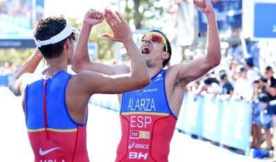 Fernando Alarza y otros 4 españoles participan en las Series Mundiales de Triatlón en Abu Dhabi