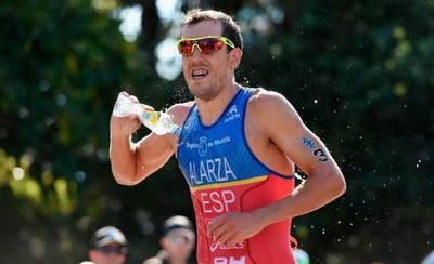 El triatleta Fernando Alarza consigue la medalla de bronce en Australia