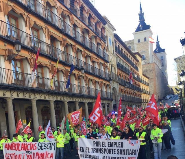 Amenaza de huelga de ambulancias para mejorar sus condiciones laborales si la Junta no recupera la gestión directa