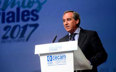 El presidente de Cecam, positivo en covid dos días después de ser vacunado