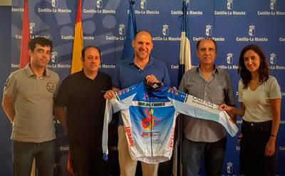 El Gobierno regional muestra su apoyo al Club Ciclista 'Joaquín Polo'