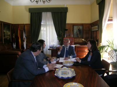 """Ramos dice que """"no va a ceder"""" en la implantación de macrogranjas de cerdos y ASAJA anuncia que presentará alegaciones"""