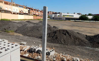 Retirados los restos del asfalto viejo del Puente Nuevo de Talavera