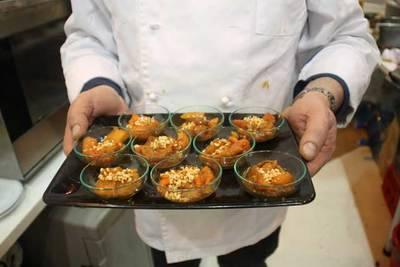 'Atascaburras', el plato típico de Albacete, fascinó en FITUR