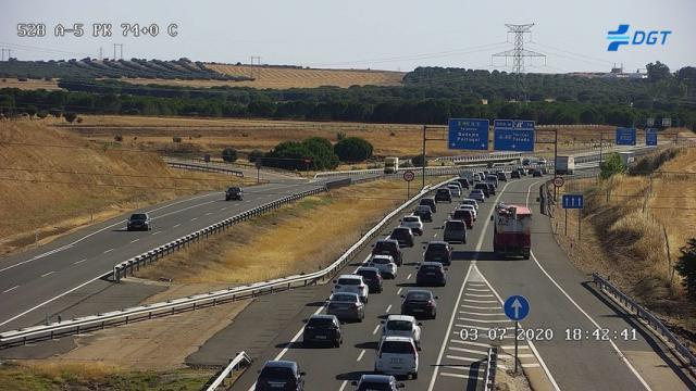 ACTUALIDAD | Kilómetros de atascos en todas las autovías de salida de Madrid