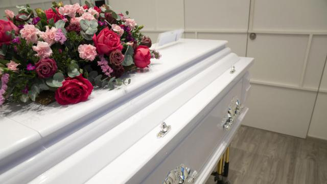 ACTUALIDAD | 3.998 personas han muerto en CLM 'por todas las causas' desde el estado de alarma, según un informe