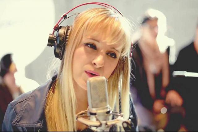 La cantante Athenas actuará este sábado en Talavera para