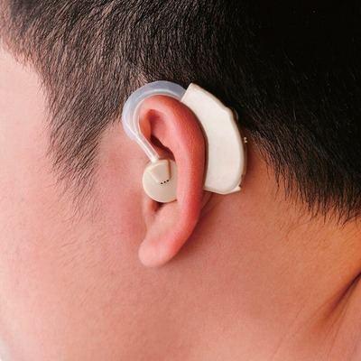 Cinco cosas que debes saber antes de ponerte un audífono por primera vez