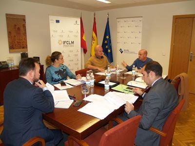 Aval C-LM aprueba operaciones para respaldar inversiones por valor de casi tres millones de euros
