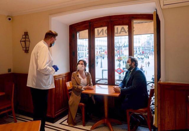 El presidente del PP Paco Núñez y la presidenta de la Comunidad de Madrid, Isabel Díaz Ayuso. - PP C-LM