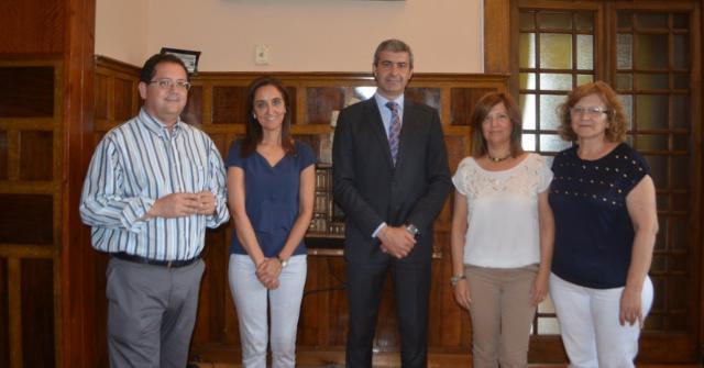 Diputación firma un convenio de colaboración con la Asociación de enfermos de Alzheimer de Talavera